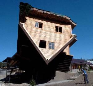 Upside-down-house3